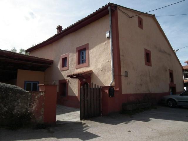 Casa en venta con 292 m2, 3 dormitorios  en Arenas de Iguña